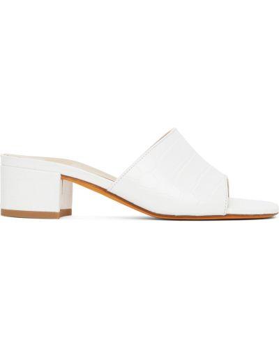 Sandały skórzane na obcasie - białe Maryam Nassir Zadeh