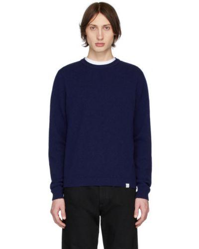 Niebieski długi sweter wełniany z długimi rękawami Norse Projects