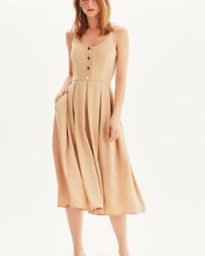 Приталенное платье миди на пуговицах Love Republic