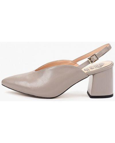 Туфли на каблуке кожаные серые Inario