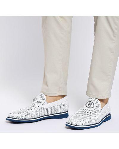 Кожаные белые туфли закрытые Baldinini