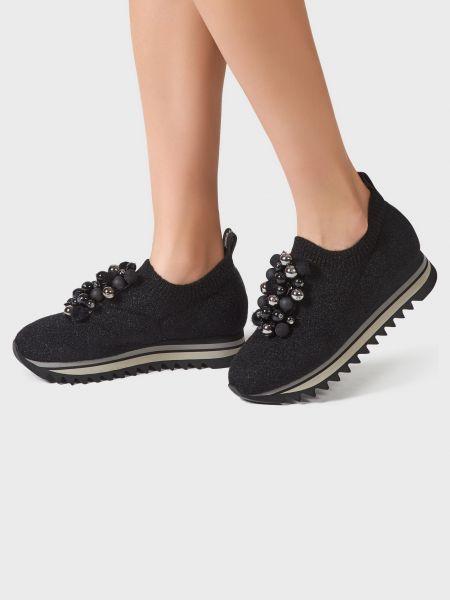 Кожаные кроссовки - черные Pertini