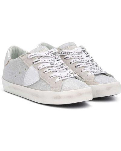 Серебряные кроссовки с заплатками на шнурках круглые Philippe Model Kids