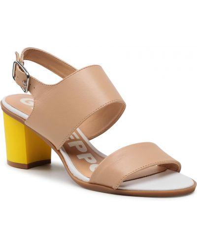 Beżowe sandały casual Gioseppo