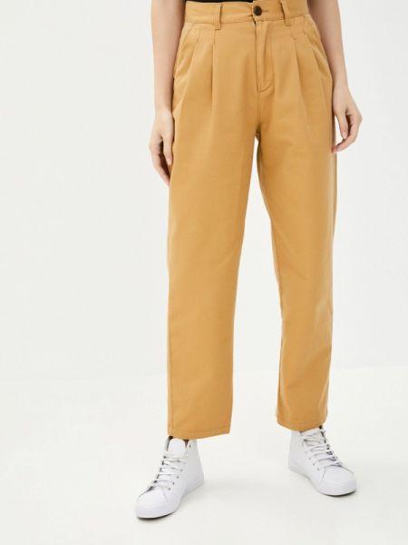 Повседневные бежевые брюки Quiksilver