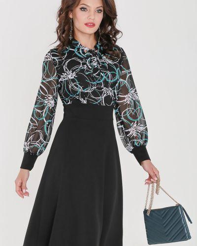 Нарядное с рукавами платье с поясом Dstrend