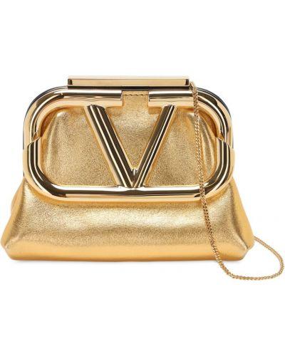 С ремешком кожаный клатч на цепочке золотой Valentino Garavani