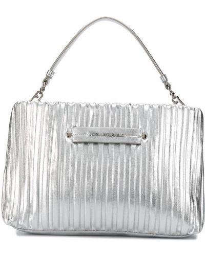 Серебряная с ремешком сумка на плечо Karl Lagerfeld