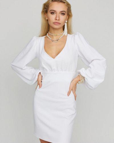 Белое платье-футляр Karree