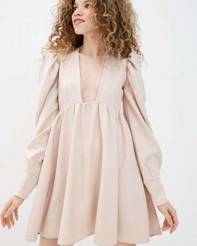 Брендовое прямое бежевое платье Lipinskaya Brand