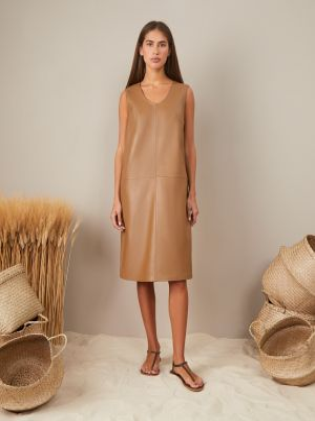 Бежевое кожаное платье на кнопках без рукавов 12storeez