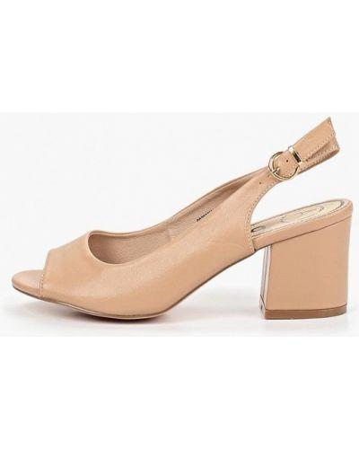 Босоножки на каблуке кожаные бежевые Betsy
