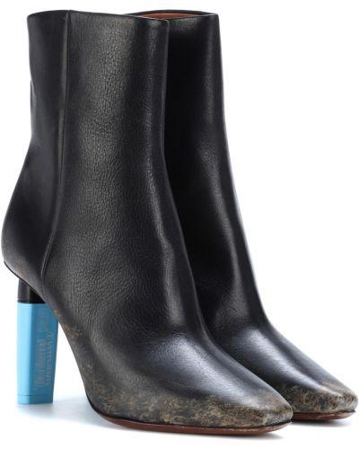 Сапоги на шпильке черные на высоком каблуке Vetements