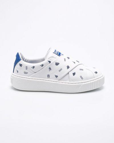 Белые кроссовки на платформе Puma
