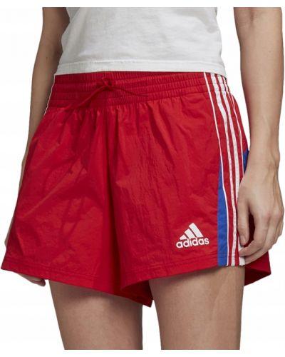 Czerwony szorty w paski z paskami Adidas