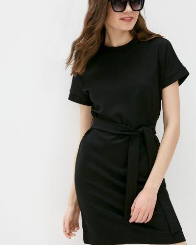 Прямое черное платье А-силуэта Savage
