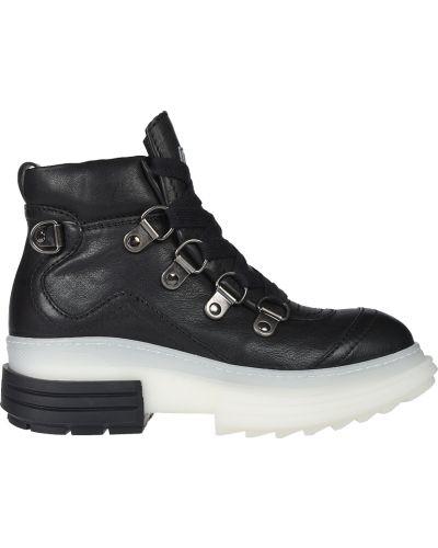 Кожаные кроссовки - черные Beyond