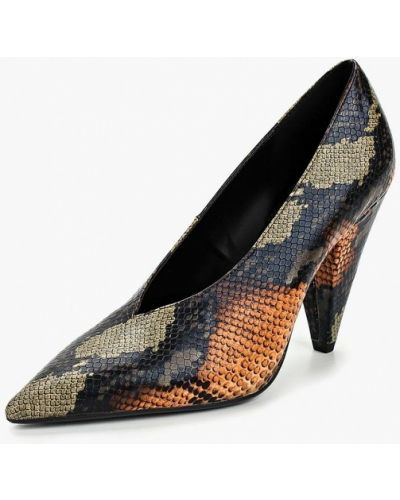 Туфли осенние на каблуке Mango