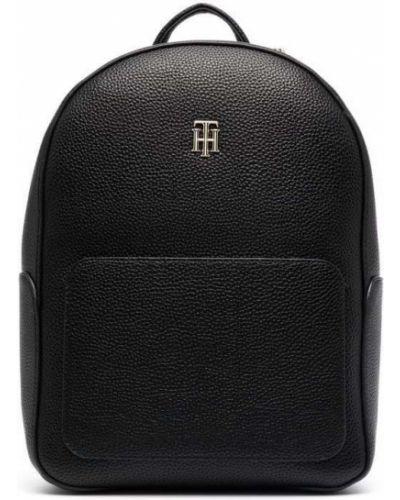 Черная сумка на плечо Tommy Hilfiger