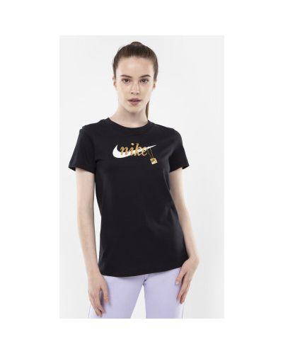 Спортивная футболка черная Nike