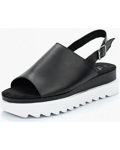 Черные босоножки на каблуке S.oliver