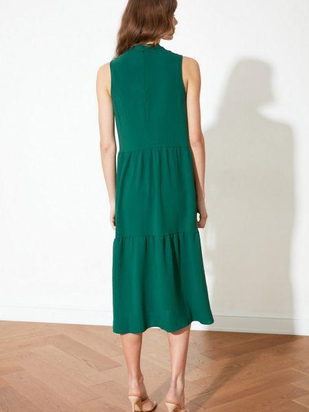 Приталенное платье миди - зеленое Trendyol