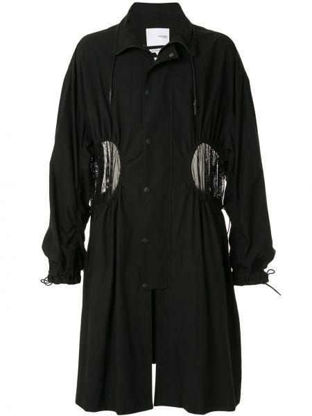 Черное длинное пальто с воротником на пуговицах с оборками Yoshiokubo