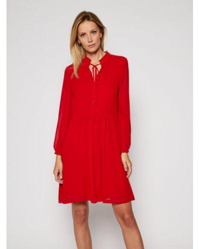 Czerwona sukienka na co dzień z szyfonu Calvin Klein