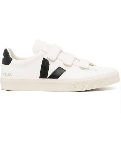 Белые кожаные кеды Veja