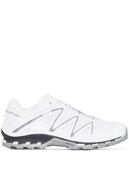 Белые кроссовки на шнуровке Salomon S/lab