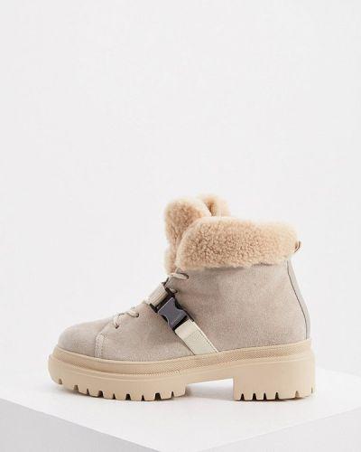 Бежевые высокие ботинки Bogner