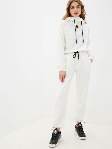 Белый спортивный костюм Malaeva