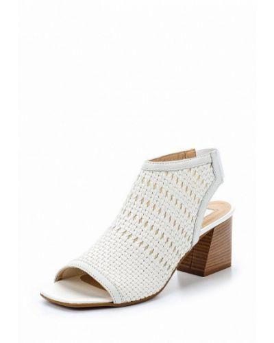 Белые босоножки на каблуке Topshop