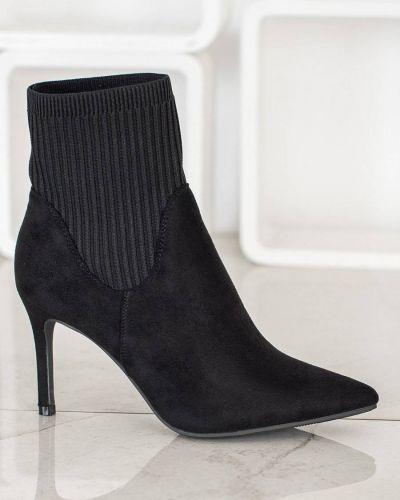 Czarne botki skorzane eleganckie Merg