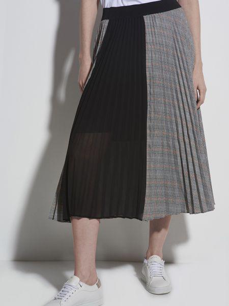 Шифоновая расклешенная спортивная юбка миди в рубчик Vassa&co