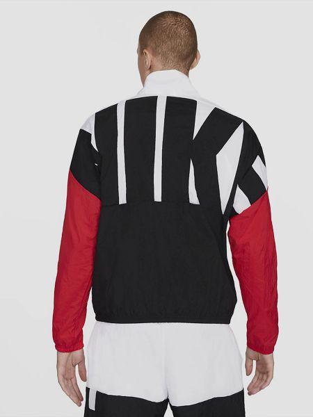 Нейлоновая ветровка Nike