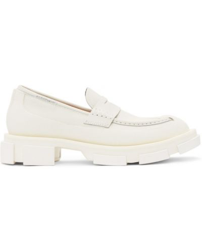 Białe loafers Both