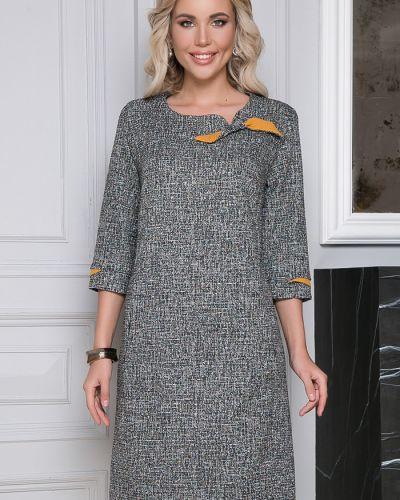 Прямое с рукавами трикотажное платье Bellovera
