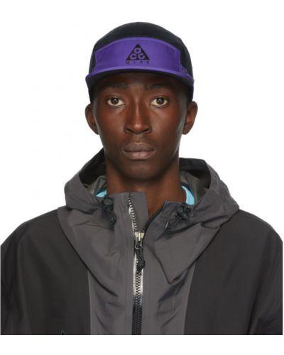 Czarna czapka z siateczką Nike Acg