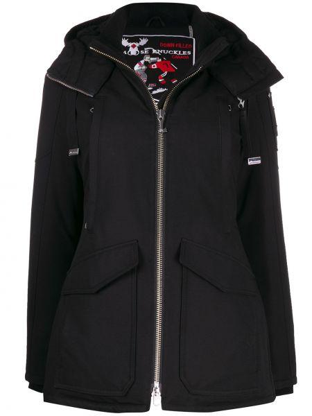 Черное пуховое пальто с капюшоном Moose Knuckles