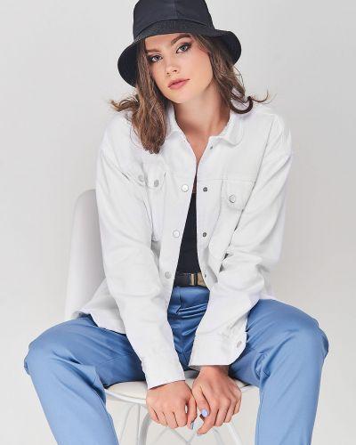 Джинсовая куртка - белая Karol