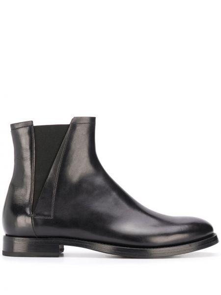 Кожаные черные кожаные ботинки на каблуке круглые Silvano Sassetti