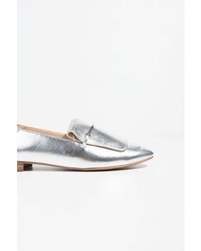Мокасины серебряного цвета Parfois