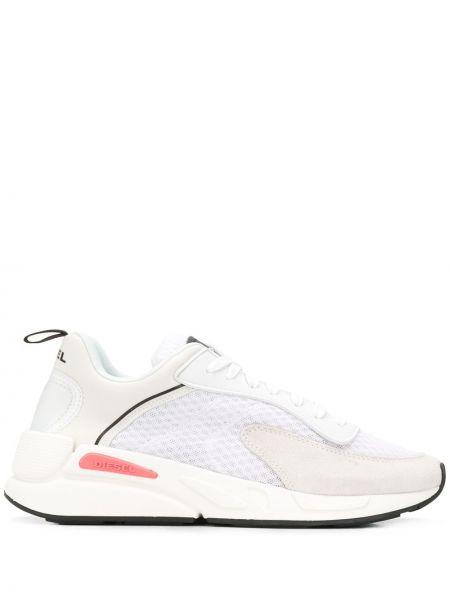 Белые кроссовки на шнуровке Diesel