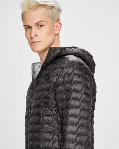 Утепленная куртка с капюшоном стеганая The North Face