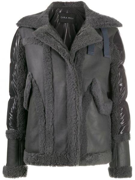 С рукавами серая куртка с воротником с гусиным пухом Cara Mila
