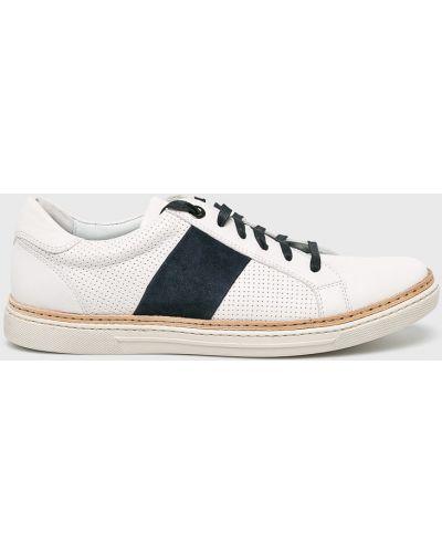 Кожаные туфли на шнуровке белый Conhpol
