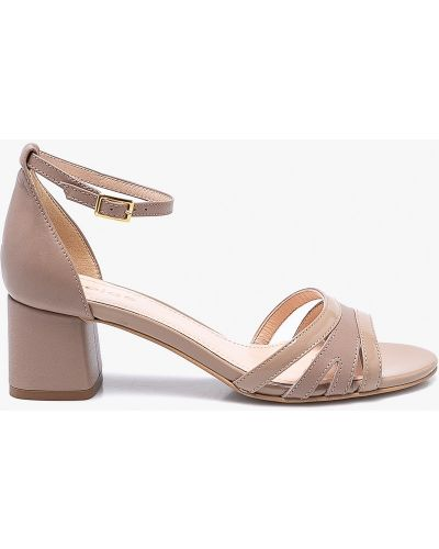 Бежевые сандалии Wojas
