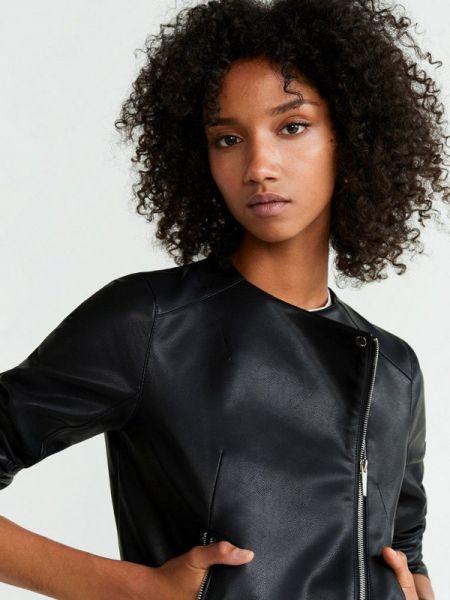 Кожаная куртка весенняя черная Mango