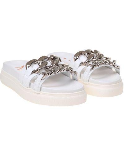 Białe sandały skorzane No. 21